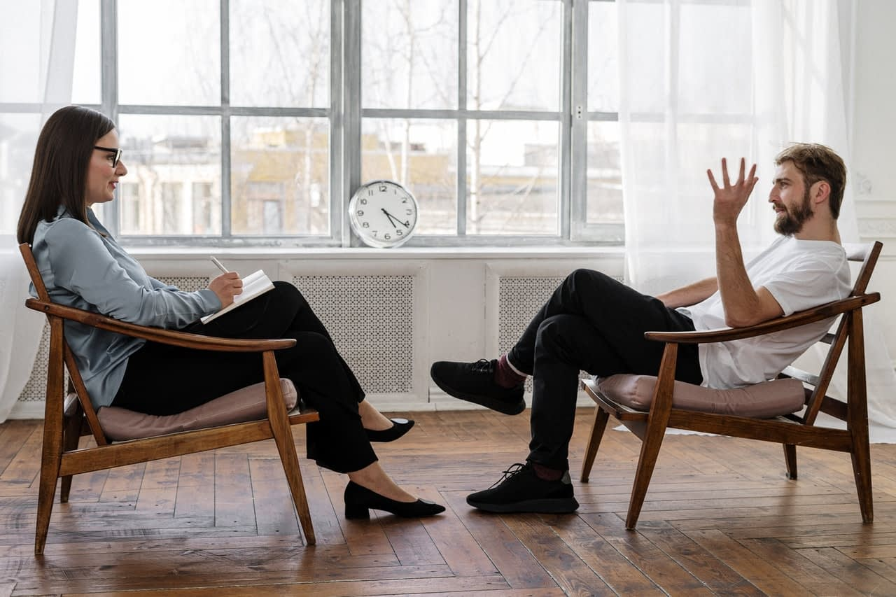 Three Reasons to Consider Talking Therapy and Counseling